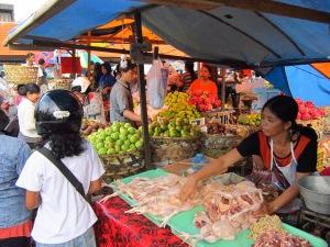 Balinese people in Denpasar's Pasar Badung market
